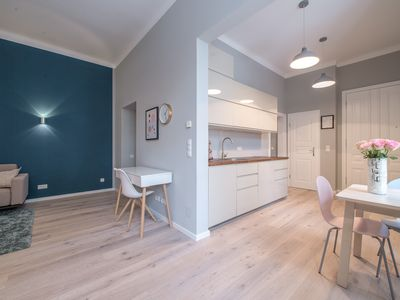 Charming newly remodeled old apartment in the city