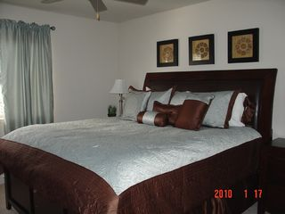 Scottsdale condo photo - King bed with plush Sealy mattress in Master