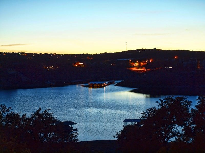Waterfront on Lake Travis with a large Game Room for day and night activities