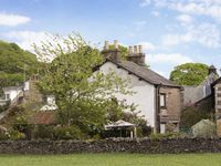 MEADOWBANK LODGE, family friendly in Staveley, Ref 4108