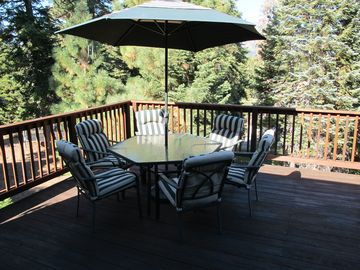 Large sun deck in the pines