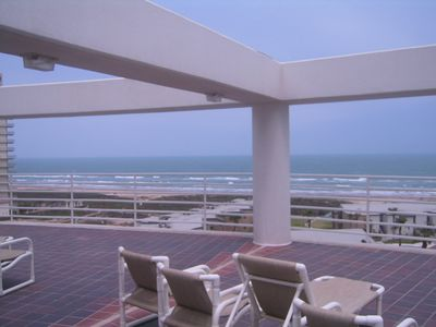 South Padre Island condo rental - The 7th floor sundeck offers a great view and the space for gathering.