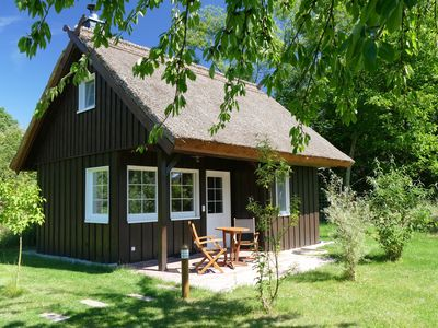 "Our ""Bienenhaus"" is a thatched cottage and probably our most romantic holiday house – only a stone´s throw away from the waterfront while being surrounding by nature. Take a break from everyday life during the summer period. The ""Bienenhaus�"