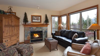 Spacious Lounge Area with Presto Log Fireplace