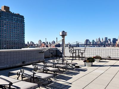 Brooklyn condo rental - Tanning on the roof