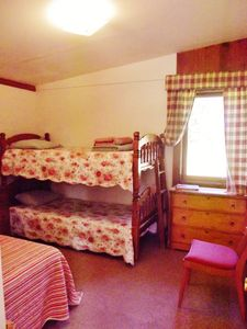 Lake St Catherine cottage rental - guest bedroom twinsize bunks