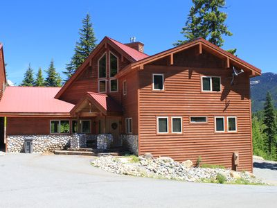 Snoqualmie Pass Lodge