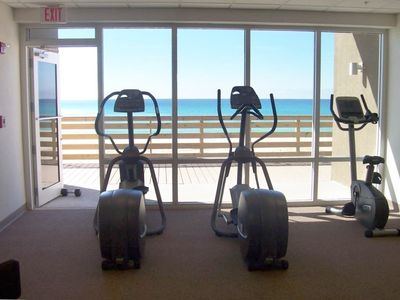 Many exercise Machines look out over the Beach