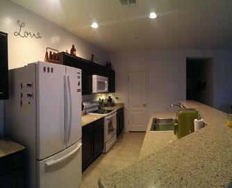 Tolleson condo rental - Kitchen open to living room and dining area