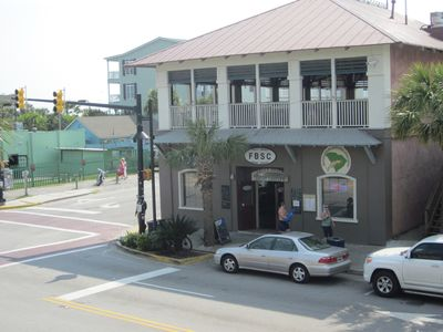 Gourmet restaurant/wine bar and Sand Bar live music directly across Center St