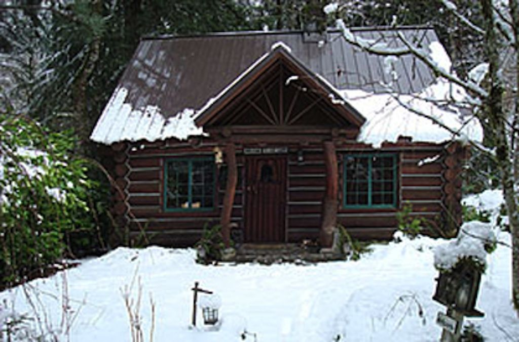 Romantic steiner log cabin at mt hood vrbo for Romantic cabins oregon