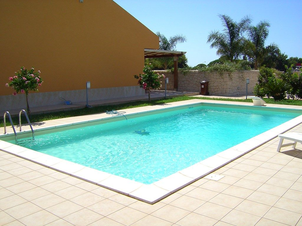 Holiday House With Swimming Pool And 100 Meters From The Beach 4 Br Vacation House For Rent In