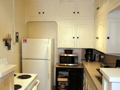 Portland apartment rental - Stocked kitchen