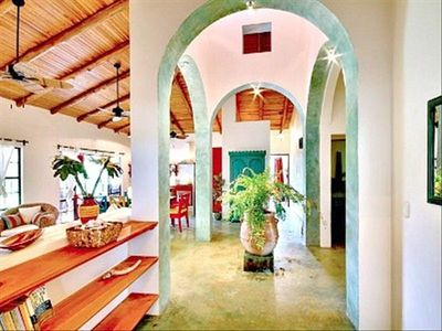 Spacious rooms, high ceilings - Colorful and Fresh.