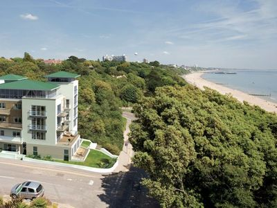 Bournemouth apartment rental - Studland Dene is just yards from the beach