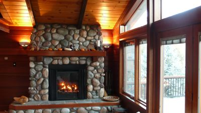 "Roaring Mendota ""instant on"" gas fireplace"