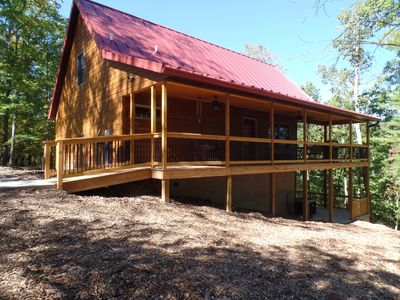 A luxurious cabin quietly tucked away in the woods, WiFi, pet friendly