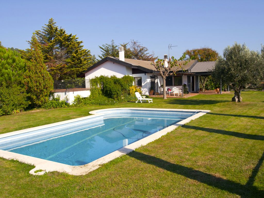 House with swiming pool and nice views homeaway for Tours of nice houses