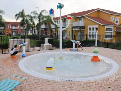 Lake Berkley villa rental - Fun Wading Pool