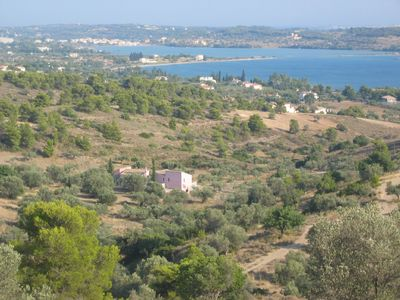 Secluded high quality olive grove house with sea view