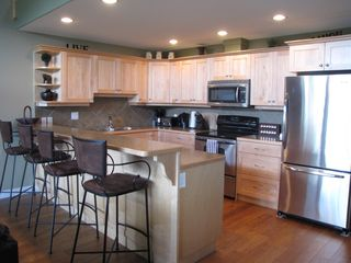 Shuswap Lake townhome photo - big fully equipped modern kitchen