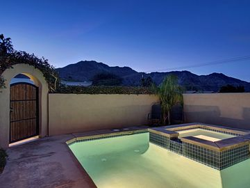 La Quinta house rental - West facing view from the pool/spa