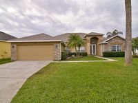Luxury 4 Bedroom, 3 bath Golf Course-Lakevew Home