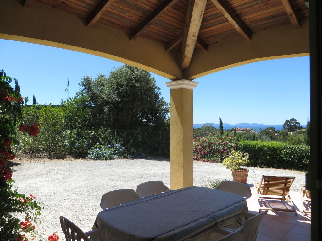 Villa 3 rooms, superb sea view, calm in the golf of saint tropez