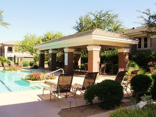 Kierland Scottsdale condo photo - Cabana area with lap pool and jacuzzi spa, BBQ's all in a peaceful setting.