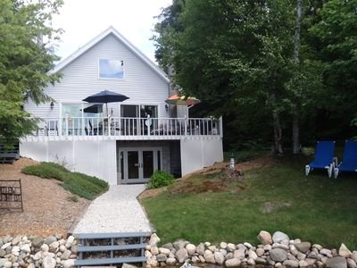 Gorgeous Year Round Waterfront Chalet on Beautiful East Lake