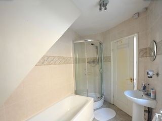 Newham apartment photo - Bathroom