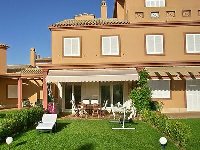 Attached house, near golf course, communitary pool, rent in Chiclana,Santi Petri