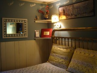 Biddeford cottage photo - Comfy, cozy master bedroom with fullsize antique brass bed, 2 dressers & closet.