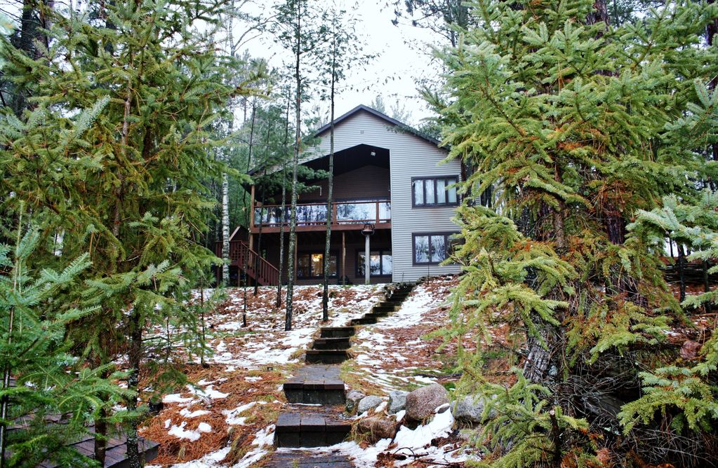 Quick escape on echo lake eagle river st homeaway for Echo lake cabin rentals