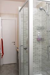San Giovanni - Esquilino apartment photo - shower