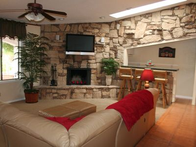 Fireplace, Wet Bar