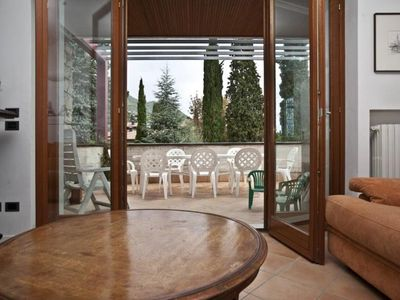 IL VITTORIALE: apartment with a very nice view of Lake Garda, 300 m. from the beach