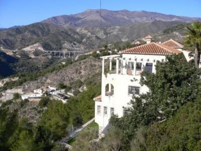 Villa with superb views in a natural park