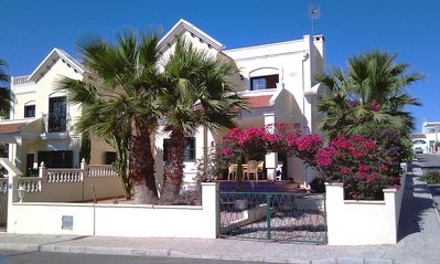 Lovely spacious detached Villa with sea views, ideal for families and golfers