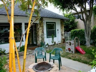 Redondo Beach cottage rental - Fun fire pit to roast marshmallows, there is a stainless BBQ grill too