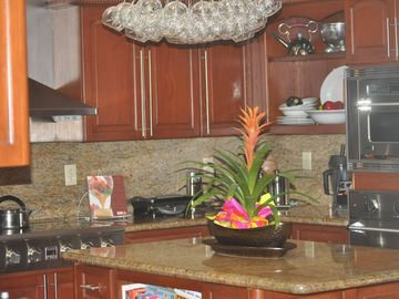 Kendall house rental - newly upgraded, fully equipped kitchen, new appliances, granite counter tops