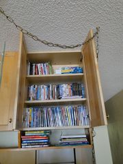 Haleiwa condo photo - DVDs & books