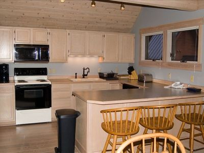 Big Sky chalet rental - Fully stocked kitchen