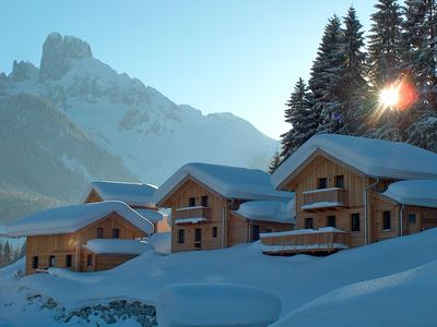 New cosy wooden block houses in fantastic location in the middle of a ski resort