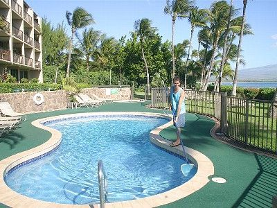 Maalaea condo rental - Solar heated pool, and outdoor hot tub!