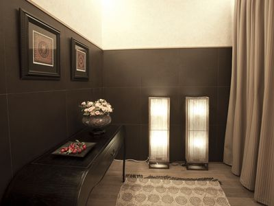 Barrio Gotico apartment rental - the elegant entrance to our apartment