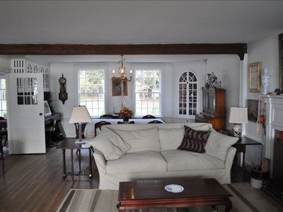 Peconic house rental - living room