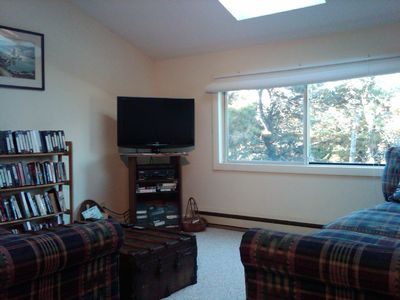 Den/TV Room with LCD TV with DVD/VCR/cable/wireless internet