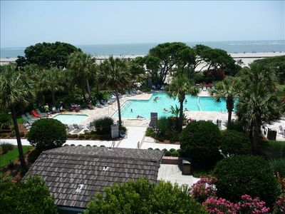 Shipwatch' s beautiful oceanfront pool area, large childrens and family pools!!
