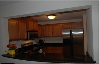 Tampa townhome photo - New fully equipped kitchen, solid wood,granite counter tops, new appliances